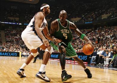Стратегия ставок на фаворита в баскетболе: ищем осечки лидера